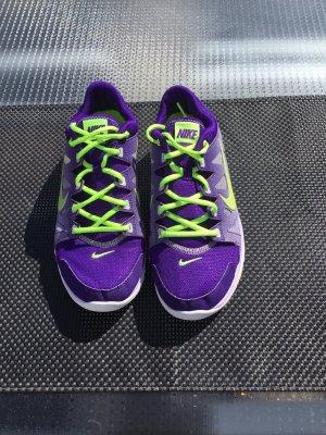 Nike Trainingsschuh, superleicht, Textil mit Mesheinsätzen Gr 42