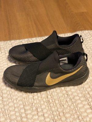 Nike / Trainingsschuhe / Gym