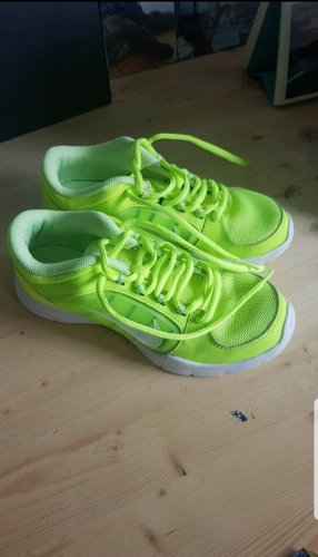 Nike Lace-Up Sneaker white-neon yellow