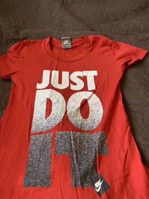 Nike Tshirt mit Aufschrift