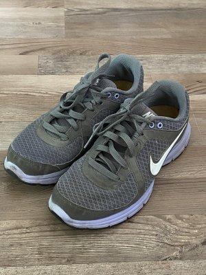 Nike Turnschuhe Gr.39