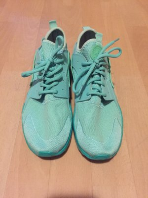 Nike Turnschuhe Gr. 40
