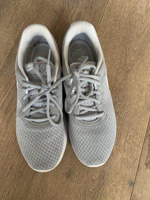 Nike Turnschuhe grau Größe 40