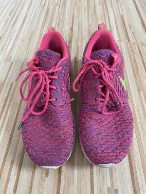 Nike Turnschuhe pink