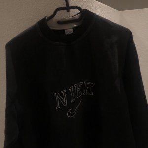 Nike Vintage Sweater Schwarz