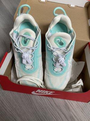 Nike w Air Max 2090 Gr.36.5