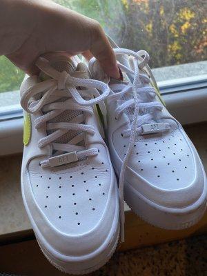 Nike weiße Schuhe