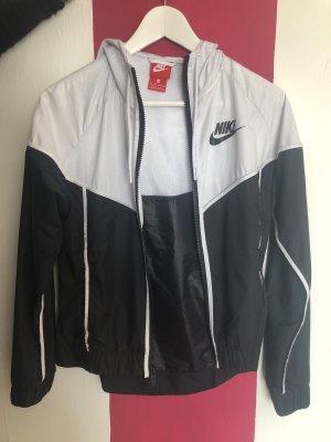 Nike Windstopper czarny-biały