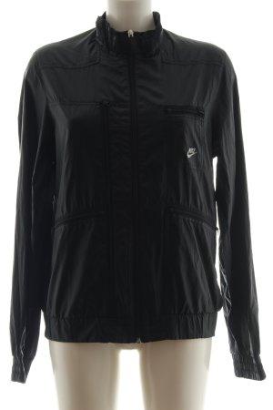 Nike Windbreaker black embroidered lettering casual look