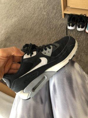 NIKE WMNS AIR MAX 90 ESSENTIAL Sneaker schwarz weiß Gr.37,5