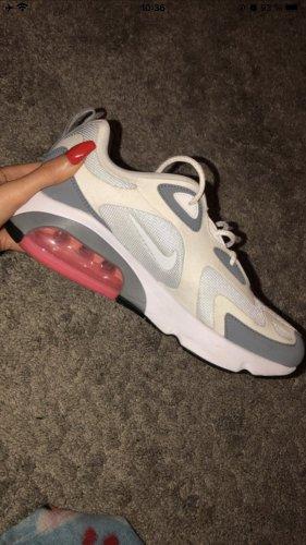 Nike WMNS