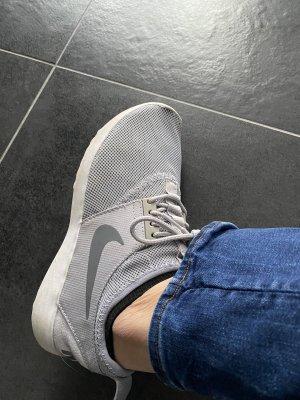 Nike WMNS Juvenate Damen Turnschuhe