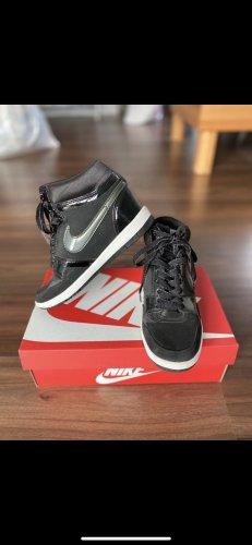 Nike Wonen
