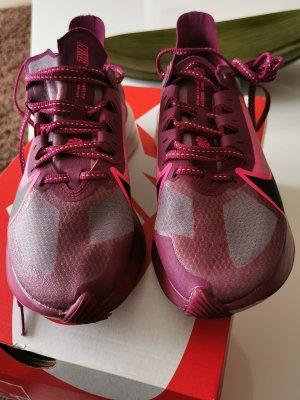 Nike Sneaker stringata viola
