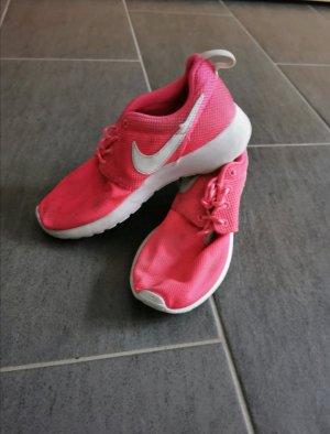 Nikes pink/weiß