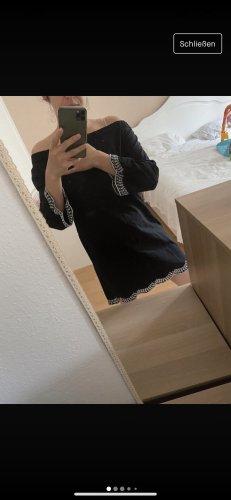 Nikkie Kleid