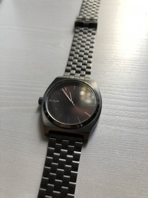 Nixon Reloj con pulsera metálica negro