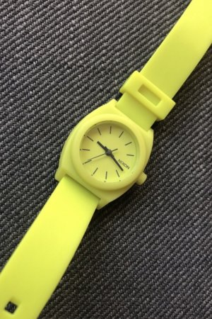 Nixon Watch With Leather Strap lime yellow