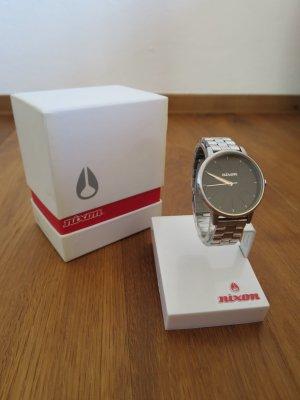 Nixon Reloj con pulsera metálica negro-color plata metal
