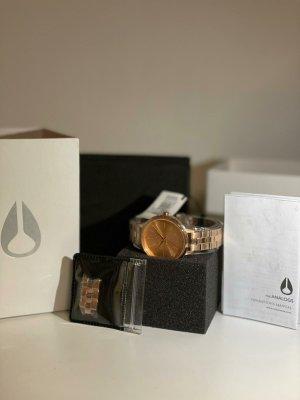 Nixon Zegarek z metalowym paskiem w kolorze różowego złota