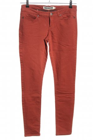 Noisy May Jeans a sigaretta rosso stile casual
