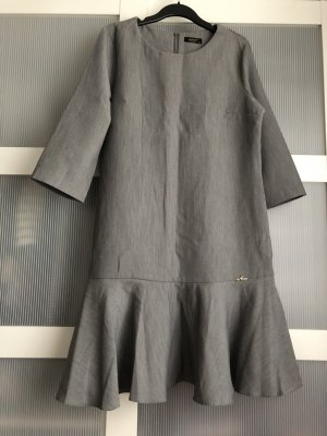 Vestido peplum gris-gris oscuro