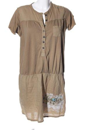 Not the same Vestido estilo camisa marrón look casual