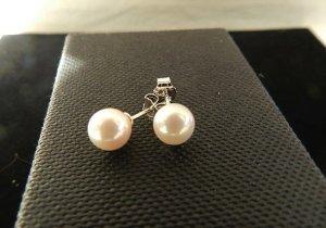 Orecchino di perle bianco-argento