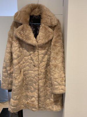 Novelti Płaszcz ze sztucznym futrem kremowy-różany