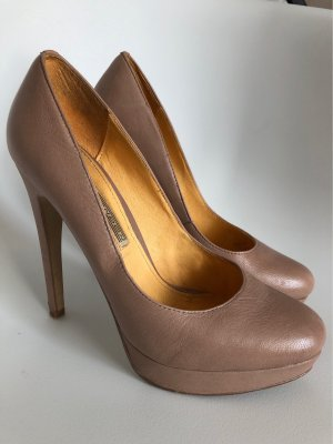 Buffalo Platform Pumps nude