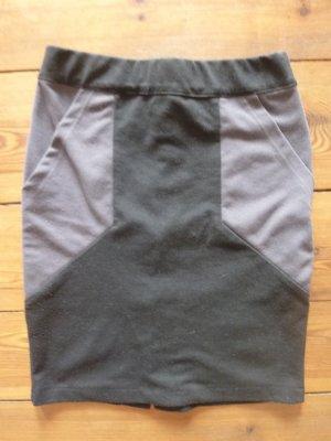 NÜMPH - schwarzer kurzer Rock mit grauen Taschen. Bleistiftform, Gr. xs/ 34