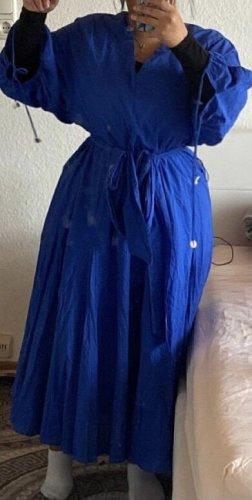 Nur einmal getragenes blaues kleid