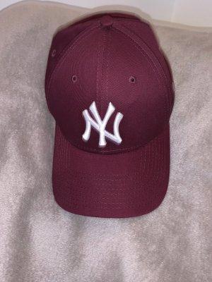 Sombrero de ala ancha burdeos-blanco