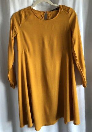 ockerfarbenes Sommerkleid von Mango
