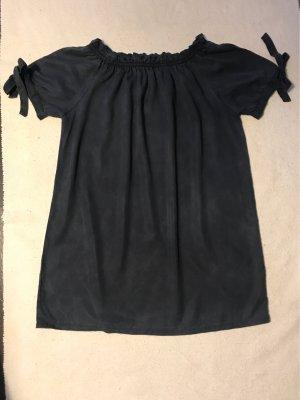 Off-Shoulder Kleid
