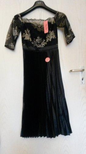 Off shoulder Kleid von Chi Chi London Gr.34(nagelneu)