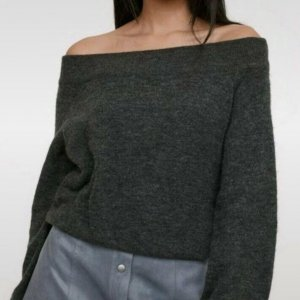 Off-Shoulder Pullover H&M