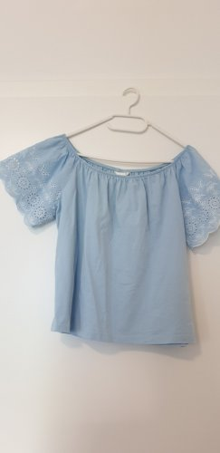 Off-Shoulderbluse in Babyblau