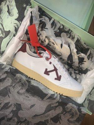 Off-White Arrow 2.0 Sneaker