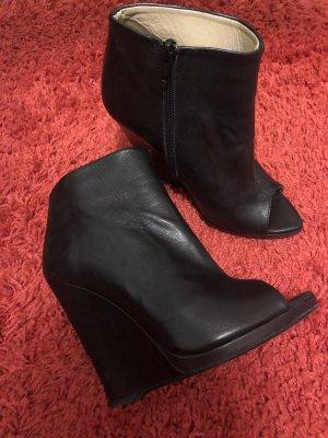 Offene Stiefel von Zara