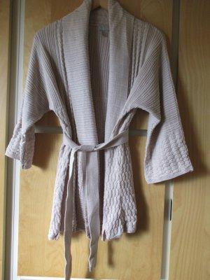 offene Strickjacke im Kimonostil, mit Schalkragen und Bindegürtel, beige