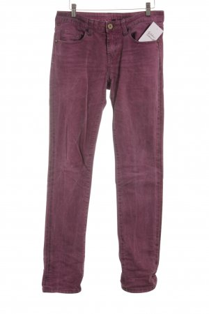 Oge & Co. Slim Jeans violett-pink Logo-Applikation