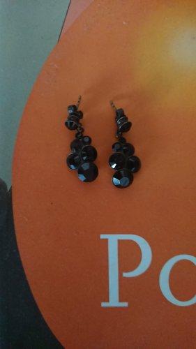 Ohrhänger mit schwarzen Steinen