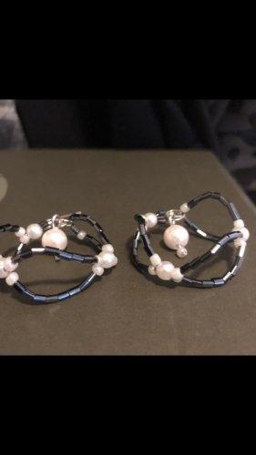 Pearl Earring white-black