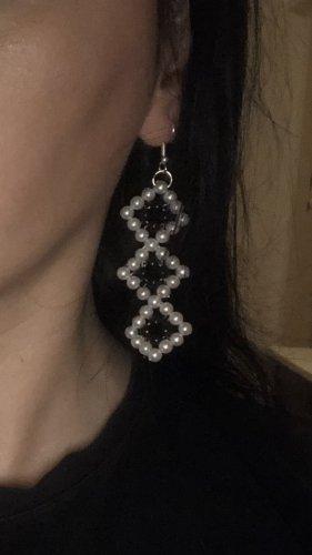 keine Pendientes de perlas blanco-negro