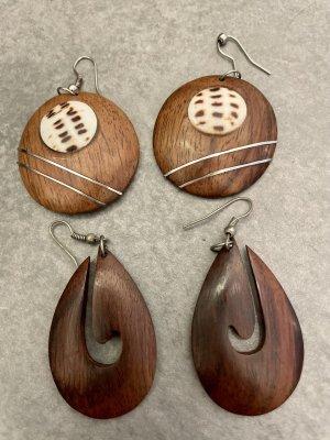 Pendant d'oreille brun bois