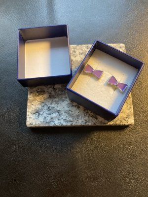 Ear stud lilac-silver-colored