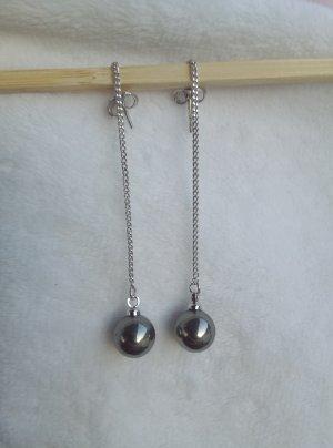 Pearl Earring dark grey