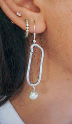 Pendant d'oreille argenté-blanc