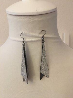 Ohrringe in Silber glitzernden Look
